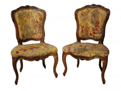 French pair of Louis XV chairs, attributed to Pierre Nogaret