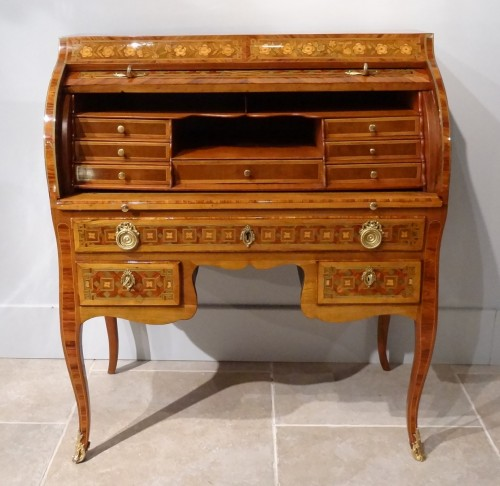 "French Desk ""bureau cylindre"", inlaid, 18th century  - Furniture Style Transition"