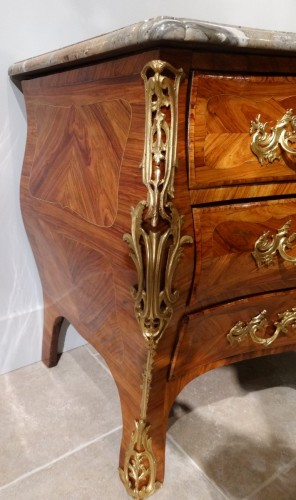 Louis XV commode stamped L. N. MALLE - Furniture Style Louis XV