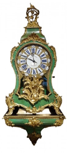 Louis XV cartel in green horn