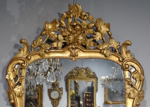 18th century - French Louis XV mirror, gilded wood, 18th century