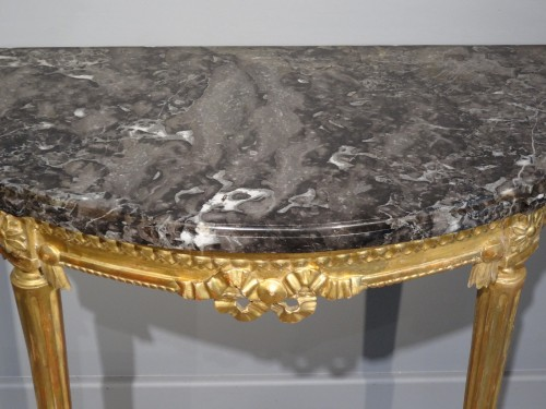 Louis XVI - French Louis XVI console in gilded wood