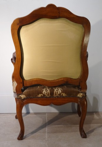 French Pair Of Louis XV Armchairs, Walnut, 18th Century - Louis XV