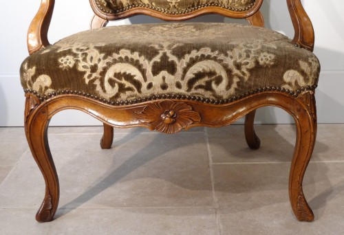 Louis XV - French Pair Of Louis XV Armchairs, Walnut, 18th Century