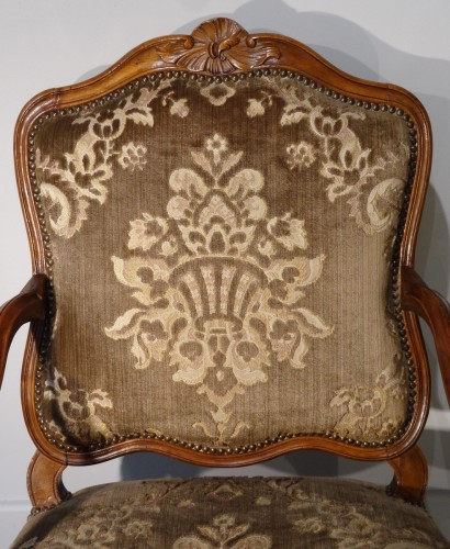 Antiquités - French Pair Of Louis XV Armchairs, Walnut, 18th Century