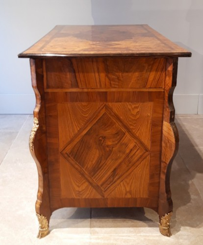 Regency Commode Called mazarin, attributed to Thomas HACHE - French Regence