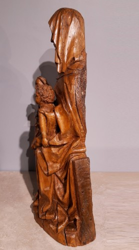 16th century - Sainte Anne Trinitaire in carved lime, Germany, 15th Century