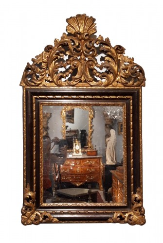 Italian mirror in gilt wood 17th century