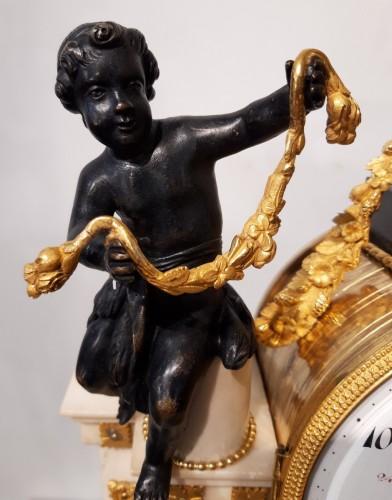 French Parisian Pendulum Louis XVI, Revolutionary, Late 18th Century - Louis XVI