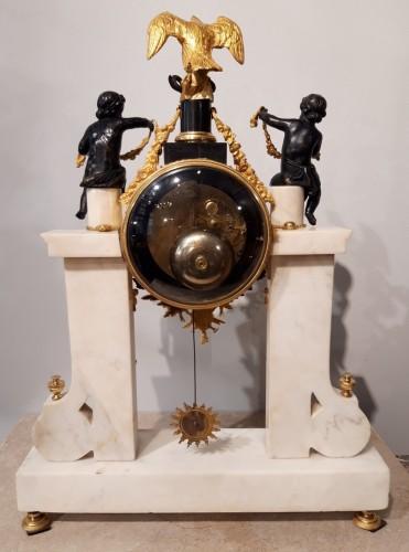 Antiquités - French Parisian Pendulum Louis XVI, Revolutionary, Late 18th Century