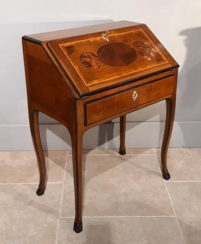 French Bureau dos d'âne by Jean-François HACHE, label dated 1774 - Furniture Style Louis XV
