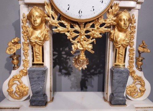 Clocks  - French pendulum Louis XVI, 18th century