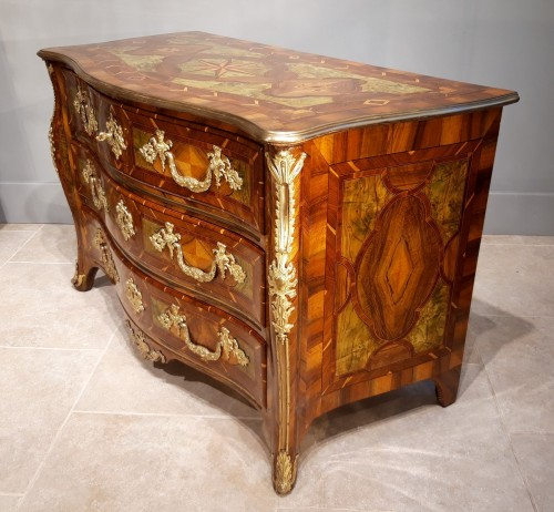 Furniture  - Exceptional Dresser Regency Dauphiné early 18th century