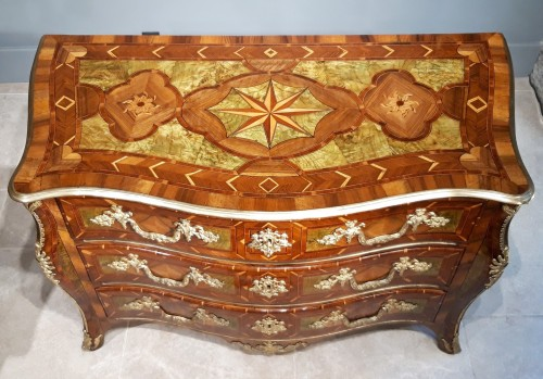 Exceptional Dresser Regency Dauphiné early 18th century -