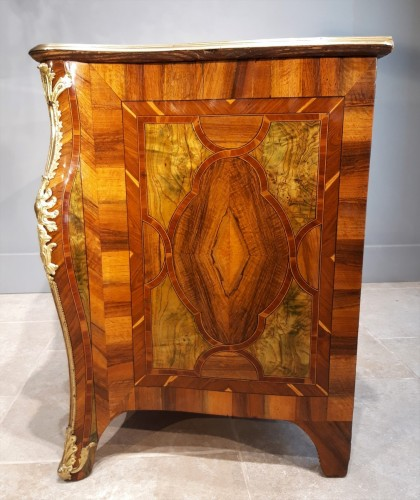18th century - Exceptional Dresser Regency Dauphiné early 18th century