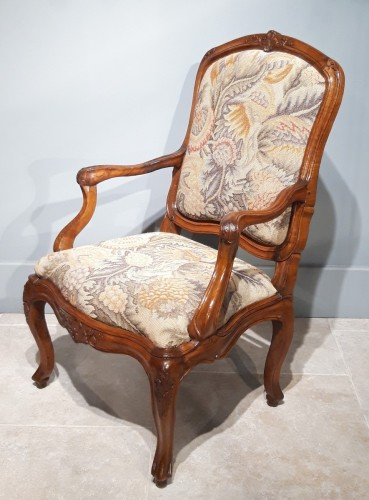 "Italian armchair ""chassis"", 18th century - Seating Style Louis XV"