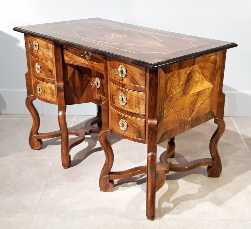 French Mazarin desk Louis XIV, Dauphiné late 17th century - Furniture Style Louis XIV