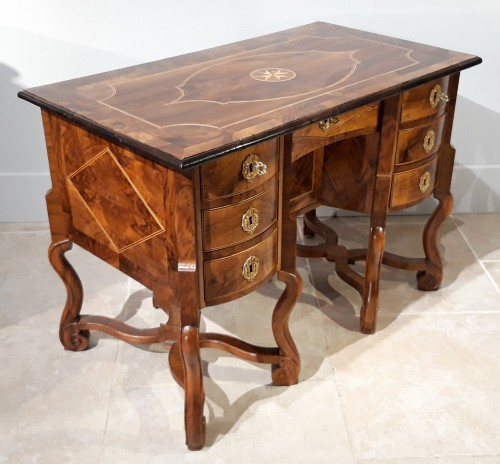 Furniture  - French Mazarin desk Louis XIV, Dauphiné late 17th century