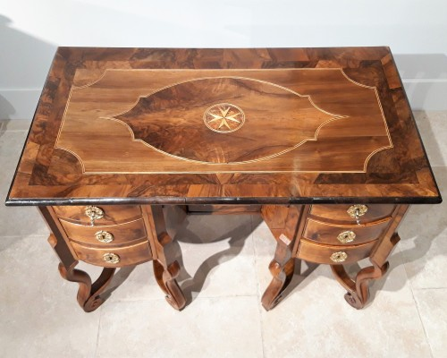 French Mazarin desk Louis XIV, Dauphiné late 17th century -