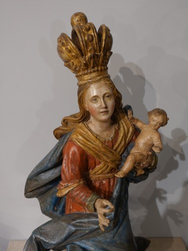 Virgin and Child carved wood and polychrome - 18th century  -