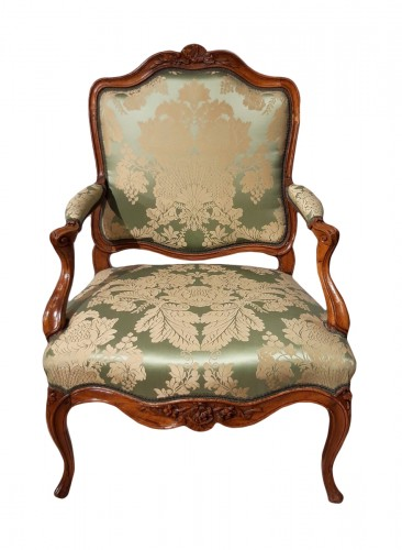 Louis XV armchair with flat back