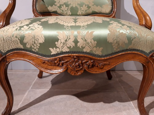 Antiquités - Louis XV armchair with flat back