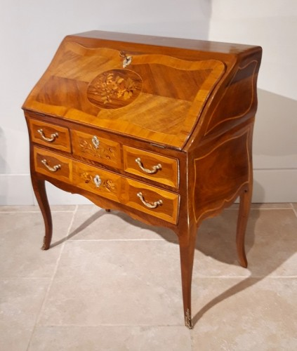 Furniture  - Desk Louis XV in walnut and marquetry