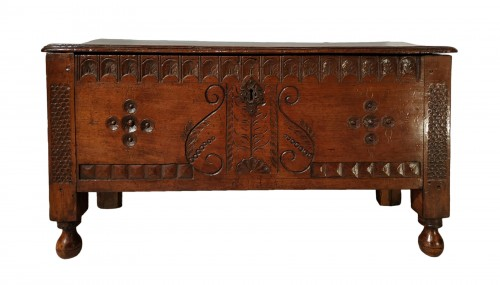 Walnut chest, late 16th early 17th century