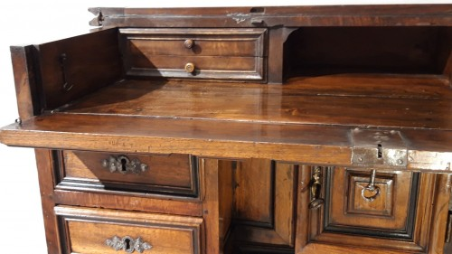 Antiquités - ''Mazarin''Louis XIII desk, 17th century