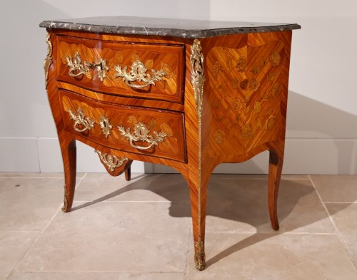 French Louis XV commode stamped J. B. GALET - Furniture Style Louis XV