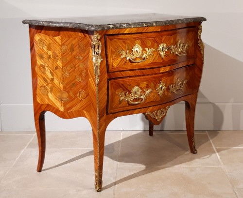 Furniture  - French Louis XV commode stamped J. B. GALET