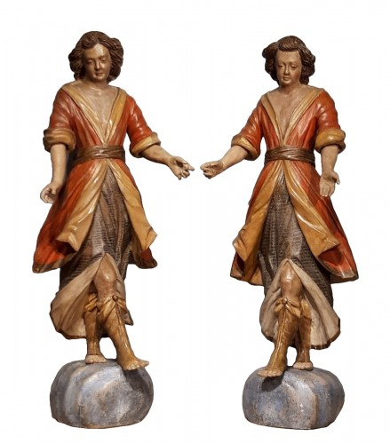 Pair of angels in polychrome wood, Italian school early 18th century