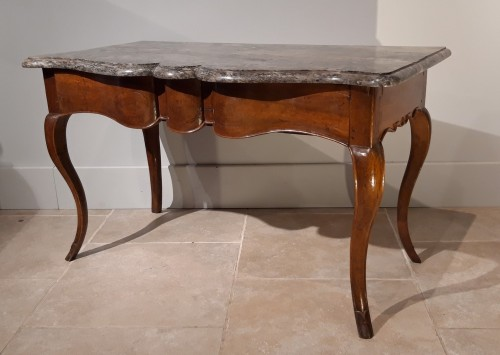 Louis XV console table in walnut - Furniture Style Louis XV