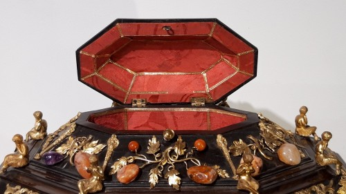 Antiquités - Late 19th century  jewelry box decorated with bronzes and hard stones