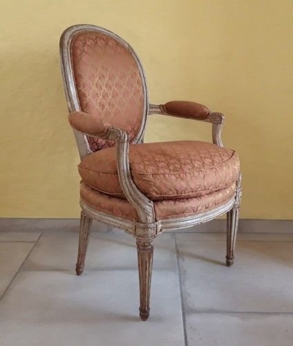 Pair of Louis XVI armchairs ''medallion'' stamped BERNARD -