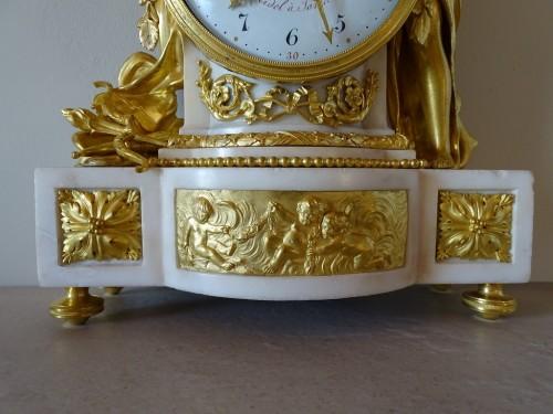 """Antiquités - Louis XVI pendulum """"Allegory of Love"""" circa 1790"""
