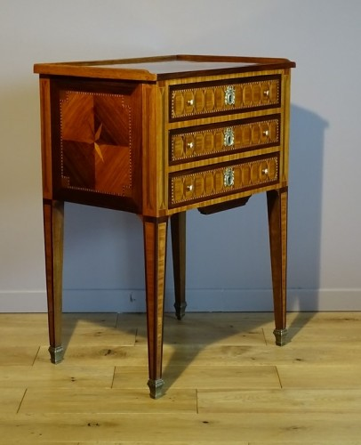 Louis XVI chiffonier table in marquetry - Furniture Style Louis XVI