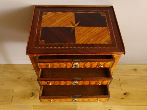 Louis XVI chiffonier table in marquetry - Louis XVI