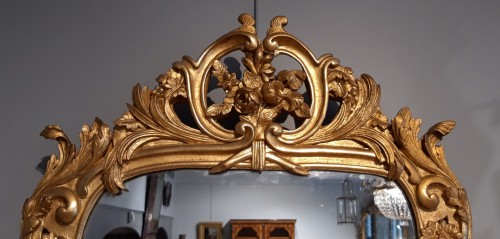 Mirrors, Trumeau  - Louis XV mirror in gilded wood, 18th century