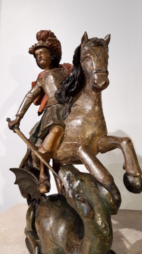 17th century - Saint George slaying the dragon in polychrome wood - 17th century