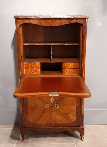 Secretary of lady Louis XV stamped Pierre ROUSSE - Furniture Style Louis XV