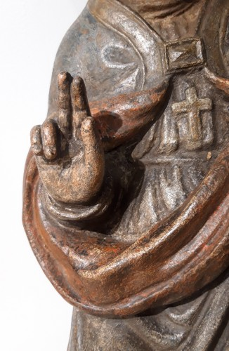 Antiquités - Bishop In Carved And Polychromed Stone, 17th Century