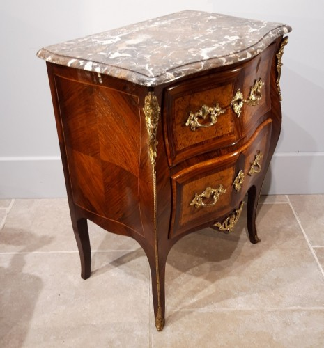 Mobilier Commode - Petite commode sauteuse Louis XV