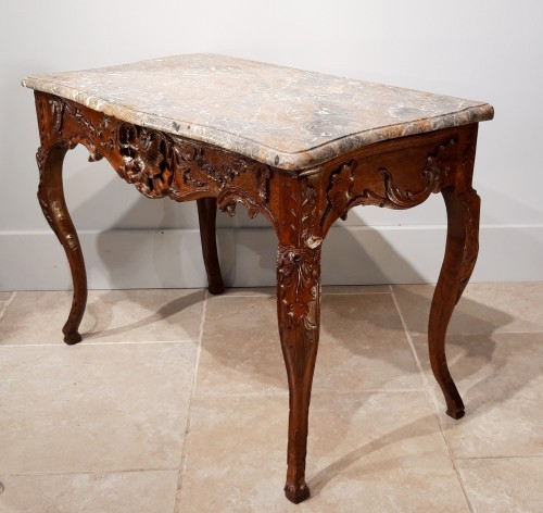 Furniture  - French table / console in oak, early 18th century