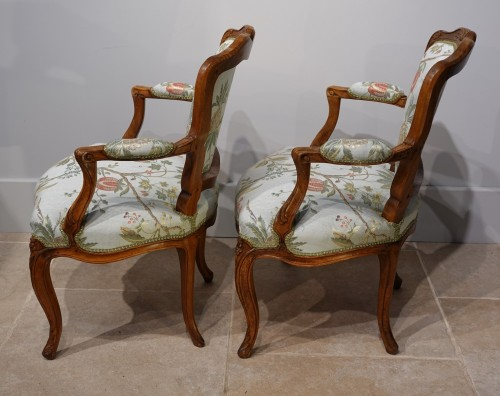 """Pair of Louis XV armchairs """" cabriolet"""" - Louis XV"""