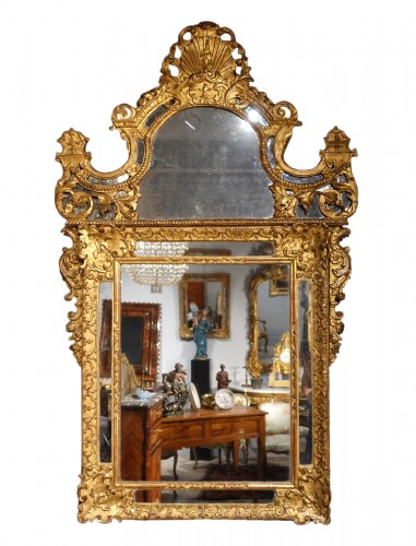 "French ""Regence"" mirror in golden wood, early 18th century"