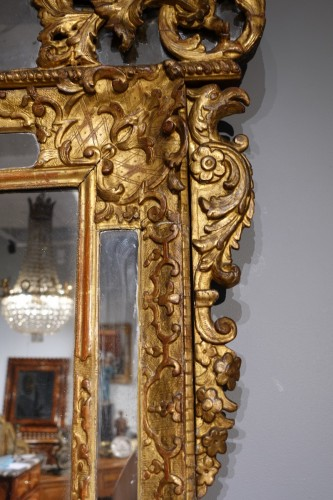 """French """"Regence"""" mirror in golden wood, early 18th century -"""