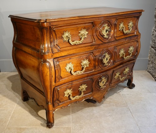 Lyonnaise Louis XV chest of drawers - Furniture Style Louis XV
