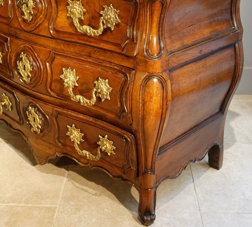 Lyonnaise Louis XV chest of drawers - Louis XV