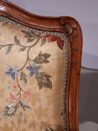 Antiquités - Pair Of Louis XV Armchairs In Walnut